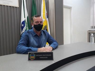 """""""Agua é Vida"""" que permite instalação de bebedouros em locais públicos é aprovado pela Câmara de Apucarana"""