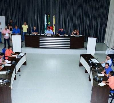 Câmara de Apucarana analisou 207 projetos de lei no ano de 2018