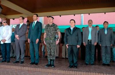 Presidente do Legislativo participa de comemorações alusivas ao Dia do Exército