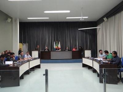 Semana inicia com sessões extraordinárias na Câmara de Apucarana