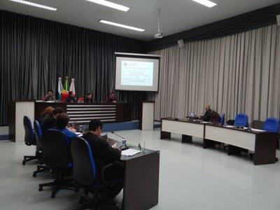 Vereadores analisam e discutem LDO em Audiência Pública