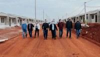 Vereadores e Vereadora acompanham prefeito em visita a obras em execução