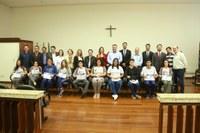 Vereadores eleitos pelo Parlamento Jovem são diplomados em Apucarana